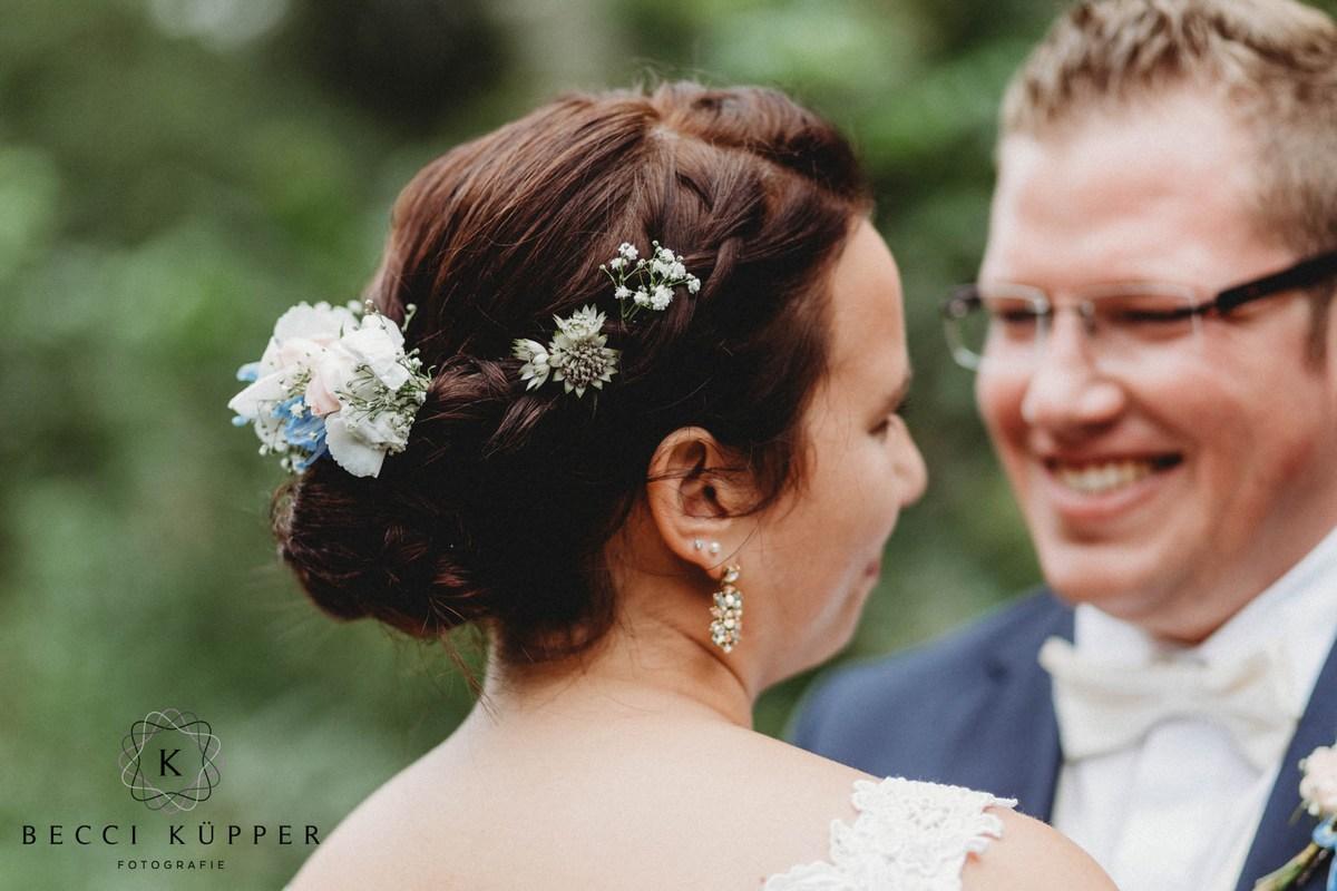 mini-Becci Küpper Fotografie – Hochzeit Fotograf Hochzeitsreportagen Hochzeitsfotograf Jülich Elsdorf Bergheim Titz Bedburg Julia Erven-5